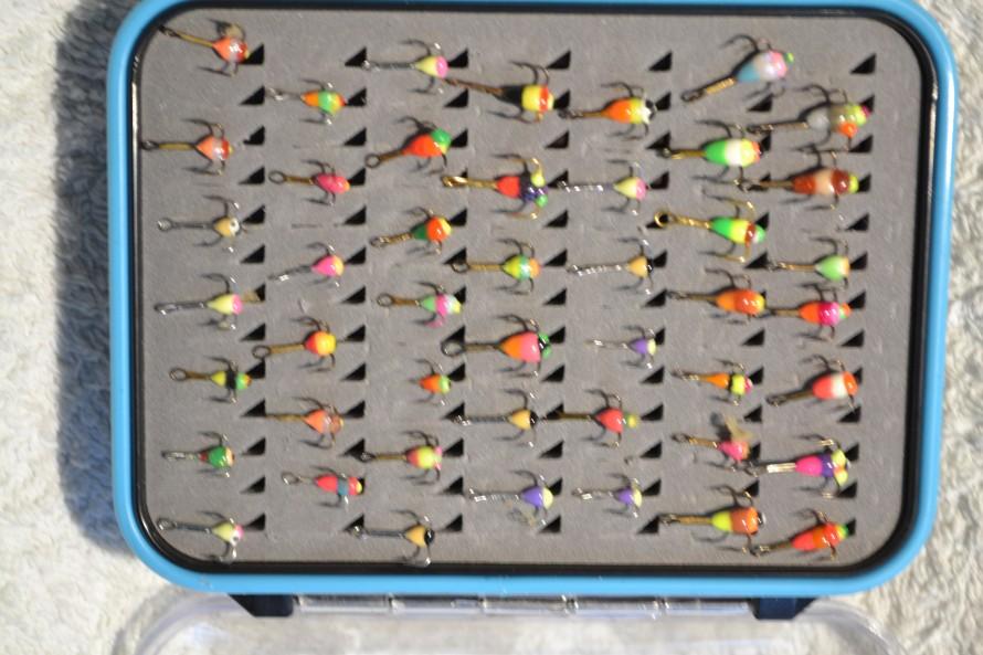 3-haara värikoukku